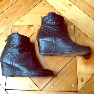 Black Frye Carson wedge booties